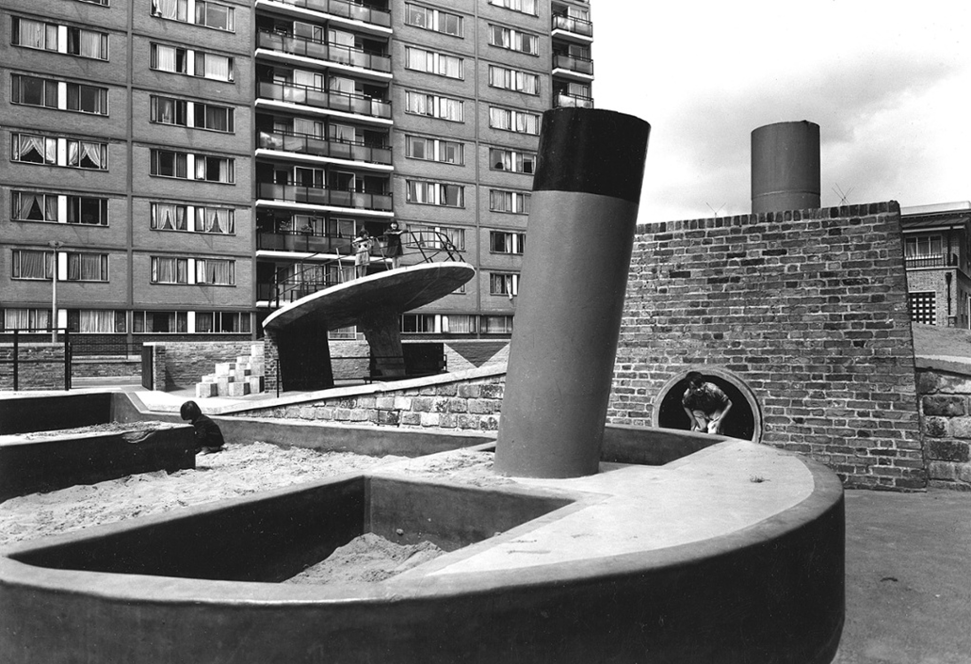 Churchill Gardens estate, Pimlico, 1956