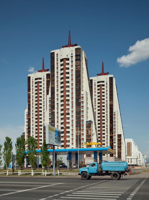 Жилой комплекс «Байконур» в Астане, 2010 год