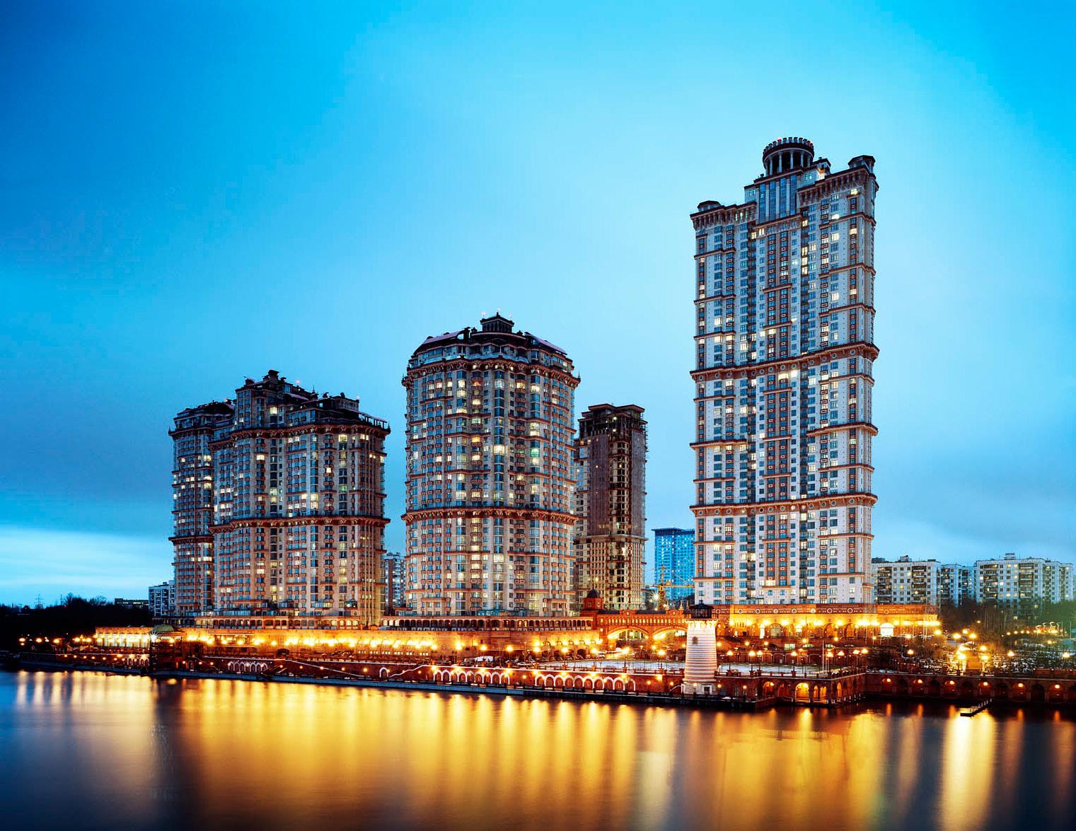 Жилой комплекс «Алые Паруса» в Москве, строительство началось в 2001 году