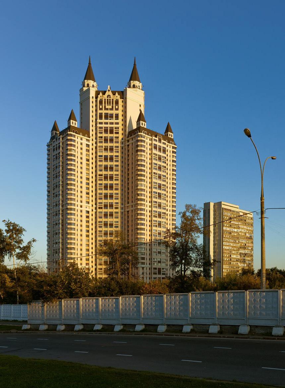 Жилой комплекс «Эдельвейс» в Москве, 2010 год.
