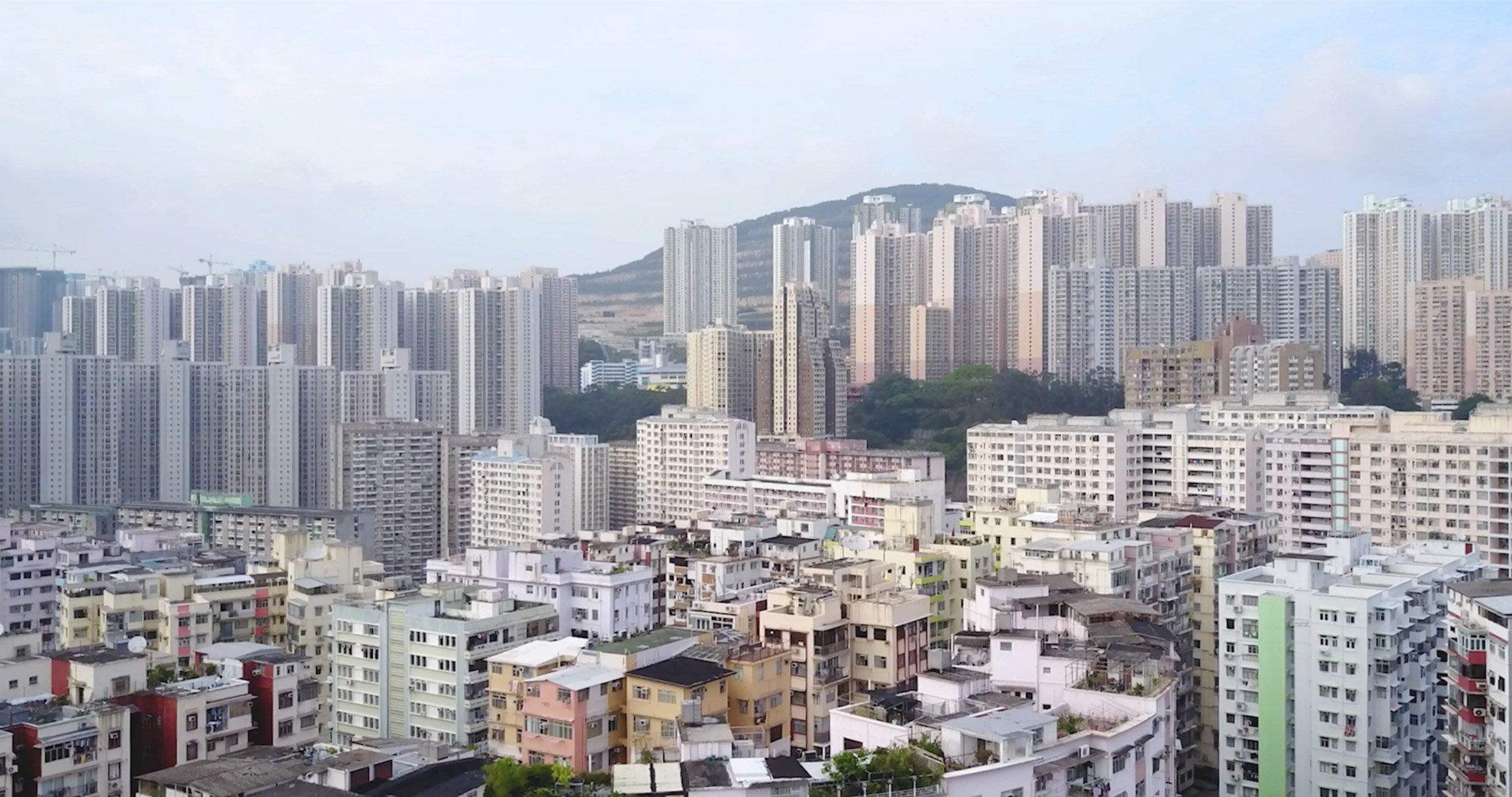 К 2010 году в городах жило уже более 50% населения Земли, и эта доля увеличится до 70% и более к 2050 году. На фото: Гонконг, 2017
