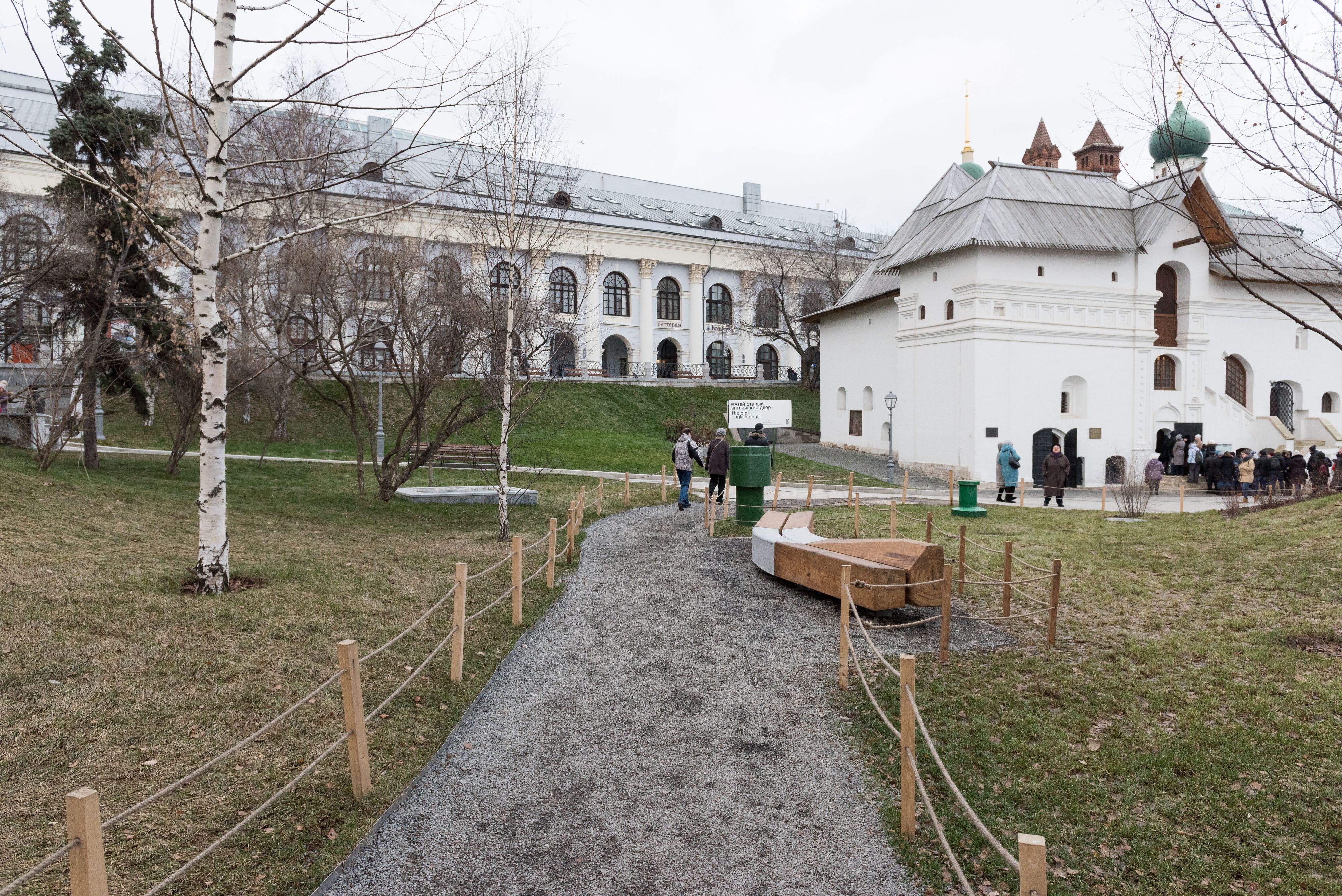 Памятники в москве адреса 2018 изготовление памятников екатеринбург тверь