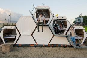 B-and-Bee: концепт спальных модулей в виде пчелиных сот