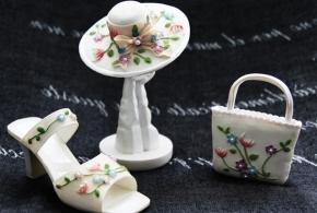 Выставка миниатюрных туфелек