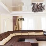 Текстильное оформление гостиной в стиле модерн.
