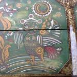 Сундук с росписью в стиле лубок с изображением птицы Сирин