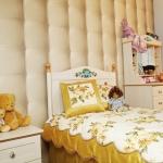 Текстильное оформление комнаты девочки в классическом стиле.