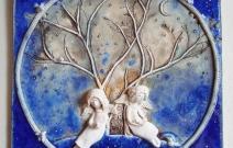 Два ангела. Шамот, фаянс, глина, смальта.