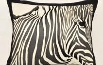 Подушка «Зебра»,  выполнена с использованием  техники батика в сочетании с вышивкой.