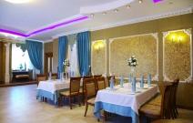 Ресторан «Бакинский двор». Разработка оформления, поставка и установка лепнины на фасад