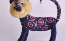 Войлочная игрушка — цветочный кот.