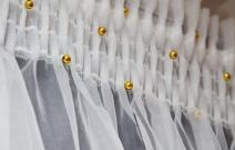 Декоративное оформление шторной ленты на тюле.