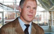 Виктор Данилович Кузовлев, генеральный директор.